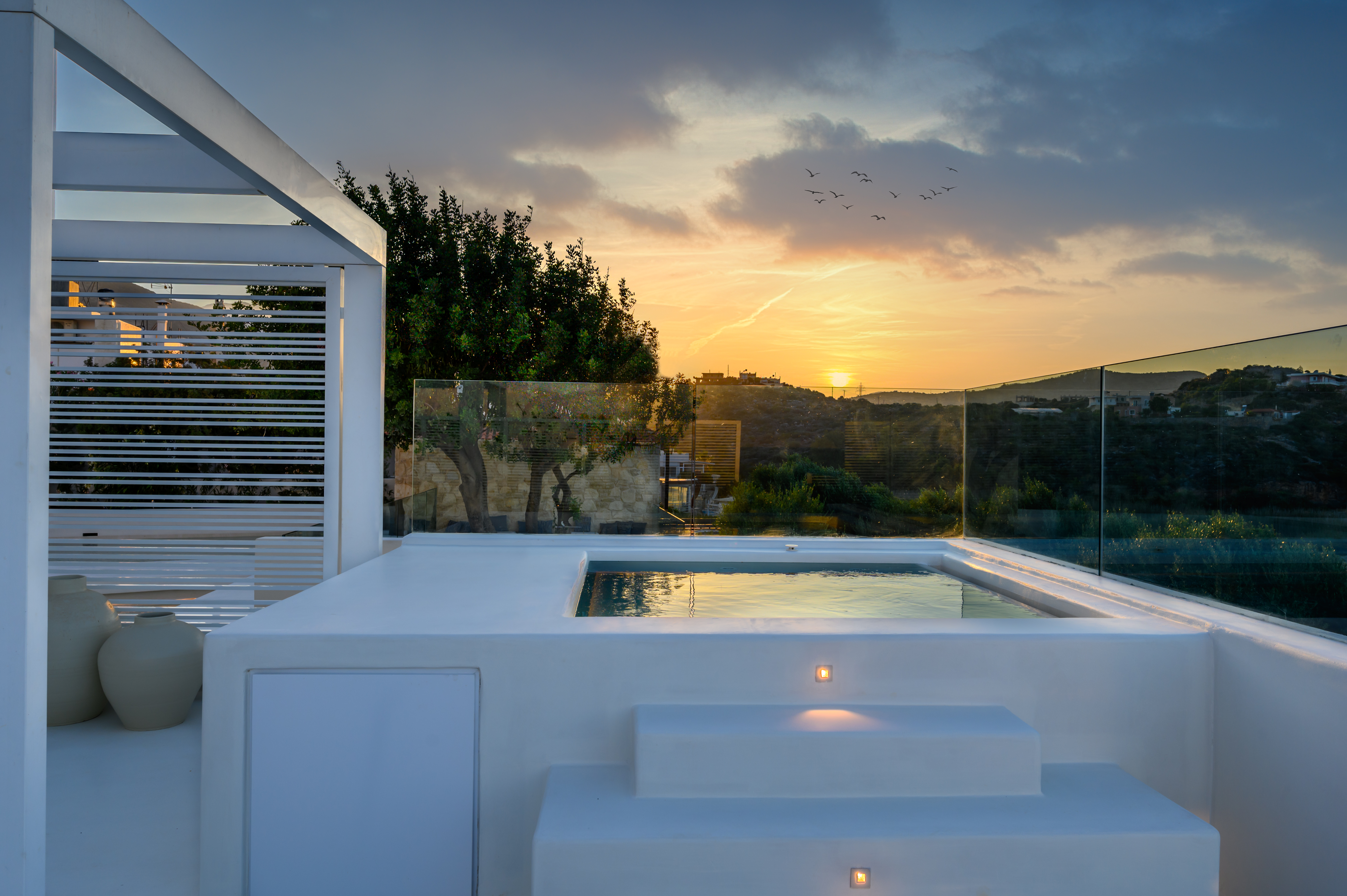 Aegean Rooms with outdoor Jacuzzi